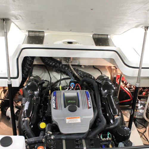 Hatch lifting systems bennett marine for Boat lift motor covers