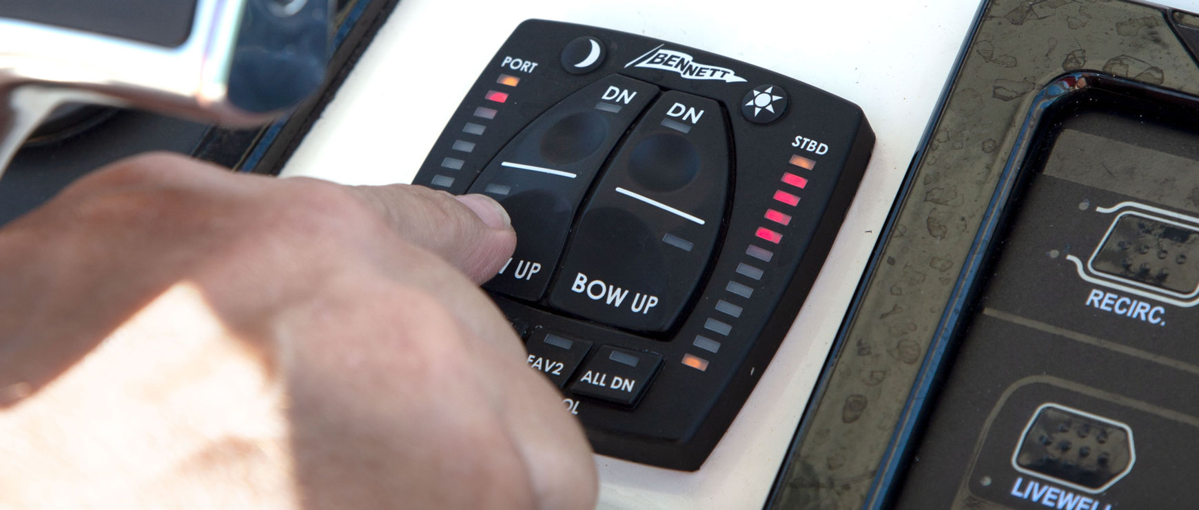 Bennett Trim Tabs User Manual Atc Automatic Tab Controller Installation In A Boat Invented By Marine Auto Control Features Have Been Maintaining Since 1992